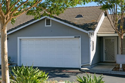 Poway Townhouse For Sale: 12811 Carriage Heights Way