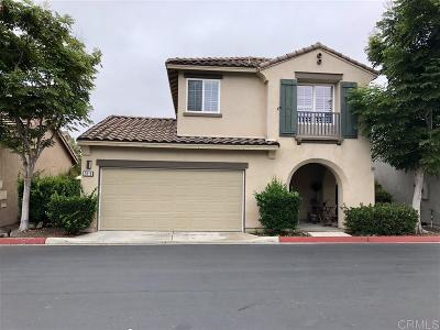 Chula Vista Single Family Home For Sale: 2818 Bear Valley Rd