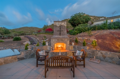 Poway Single Family Home For Sale: 15141 Canyon Pass