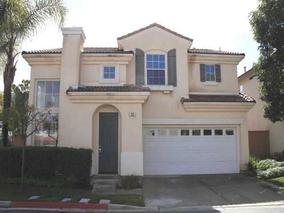 Oceanside Single Family Home For Sale: 253 Cecilia Way.