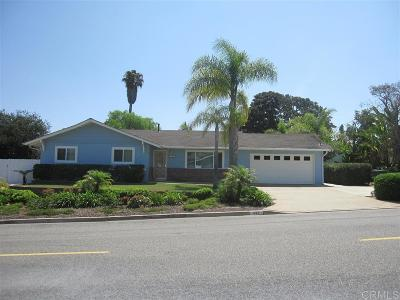 Encinitas Single Family Home For Sale: 825 Crest Drive