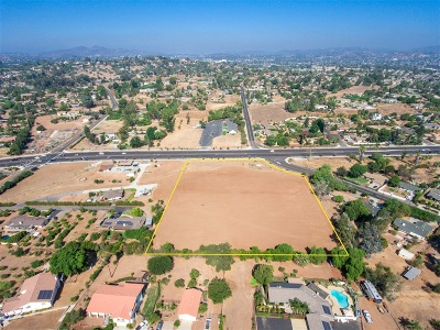 Escondido Residential Lots & Land For Sale: Bear Valley Pkwy #4 Acres/