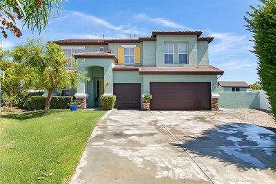Oceanside Single Family Home For Sale: 3720 Cypress Rd