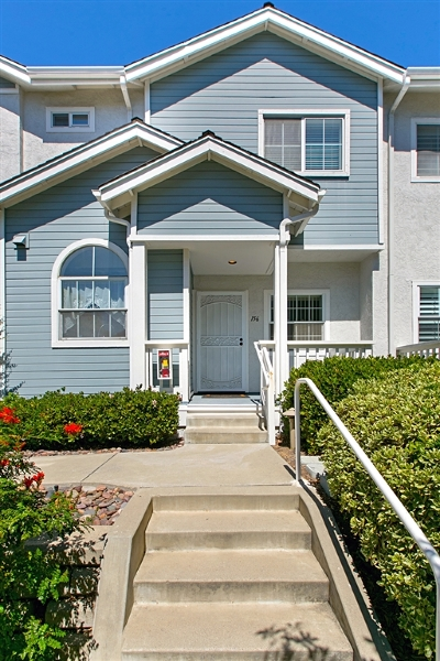 Townhouse Sold: 9920 Scripps Vista Way #156