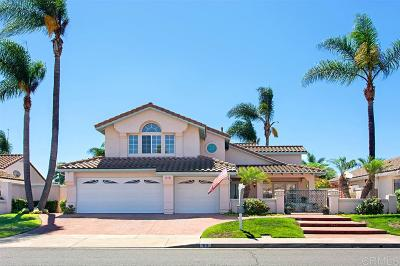 Oceanside Single Family Home For Sale: 63 Avenida Descanso