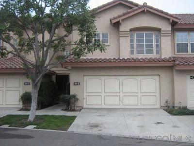Chula Vista Townhouse For Sale: 984 Palm Valley Cir #E