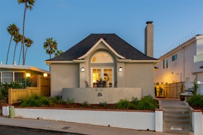 La Jolla Single Family Home For Sale: 5606 Dolphin Pl