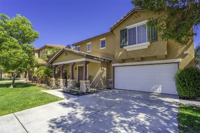 Murrieta, Temecula Single Family Home For Sale: 31328 Compass Cir