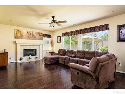 Vista Single Family Home For Sale: 815 Arbor Glen Ln