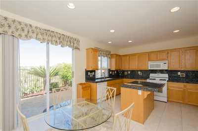 Temecula Single Family Home For Sale: 32358 Gardenvail Dr.