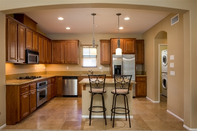 San Marcos Townhouse For Sale: 2130 Silverado