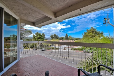 Carlsbad Attached For Sale: 2323 Caringa Way #15