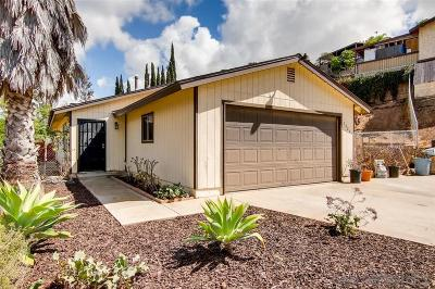 Vista Single Family Home For Sale: 2025 Abelia Lane