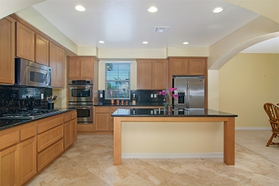 Carlsbad Townhouse For Sale: 3167 Via Iris