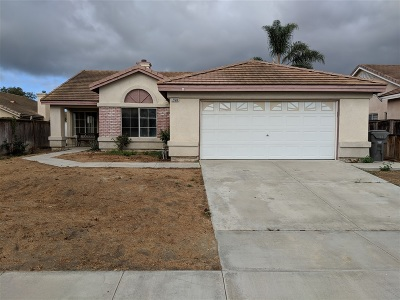 Oceanside Single Family Home For Sale: 258 Brisas Ct