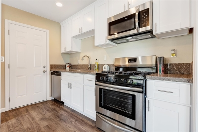 San Diego Single Family Home For Sale: 3902 Marron St