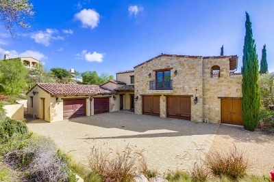 Single Family Home For Sale: 8069 Entrada De Luz E