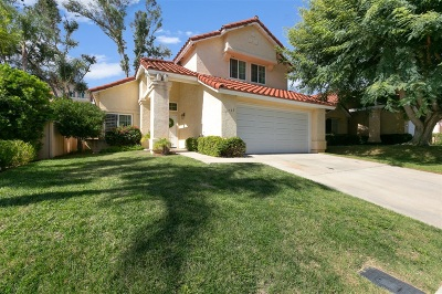 Vista Single Family Home For Sale: 1733 Crystal Ridge Way