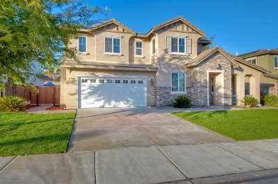 Riverside County Single Family Home For Sale: 27404 Desert Willow
