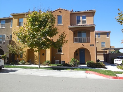 Chula Vista Townhouse For Sale: 1814 Magenta Ct #10