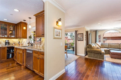 Carlsbad Townhouse For Sale: 7620 Camino Abierto