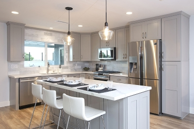Solana Beach Single Family Home For Sale: 667 Solana Hills Ct.