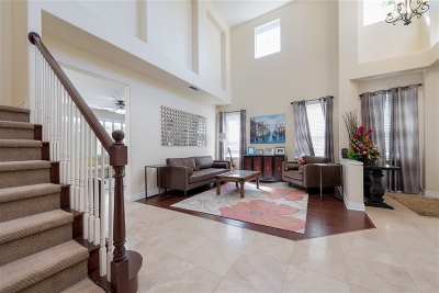 Rancho Del Rey Single Family Home For Sale: 984 Rosal Court