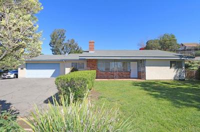 Vista Single Family Home For Sale: 1538 S Santa Fe Ave