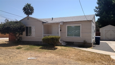 Chula Vista Single Family Home For Sale: 570 I St