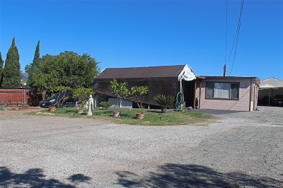 Vista Single Family Home For Sale: 923 N Emerald Dr
