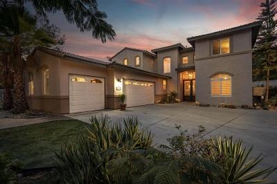 Escondido Single Family Home For Sale: 1130 Honeysuckle Way