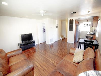 Santee Townhouse For Sale: 9405 Carlton Oaks Dr #A