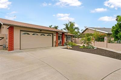 Oceanside Single Family Home For Sale: 707 Sherwood Dr