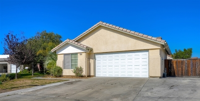 Oceanside Single Family Home For Sale: 265 Brisas Ct.