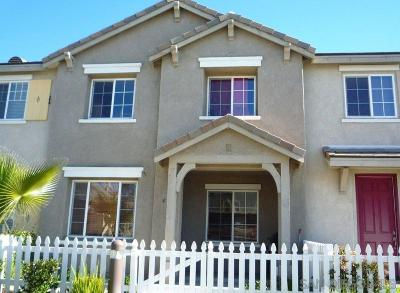 Chula Vista Townhouse For Sale: 1448 Water Lily Dr #4