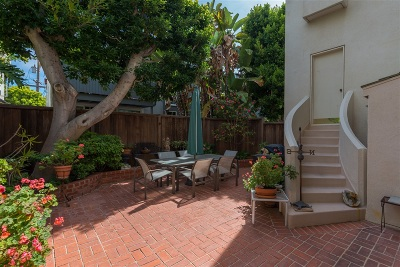 La Jolla Townhouse For Sale: 1225 Roslyn Ln