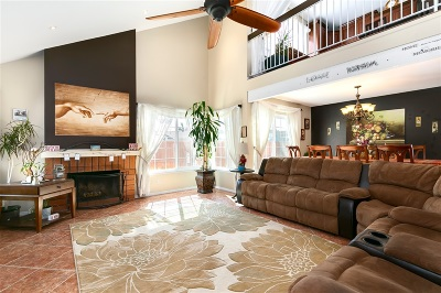 Rancho Del Rey Single Family Home For Sale: 880 Crystal Creek Ct