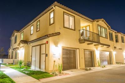 Chula Vista Townhouse For Sale: 1717 Santa Carolina Avenue #1