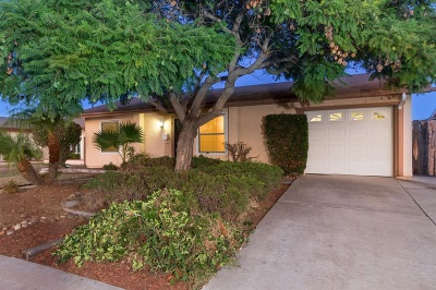 Mira Mesa Single Family Home For Sale: 10455 Baywood Ave