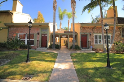 San Diego County Attached For Sale: 4849 Williamsburg Ln #162
