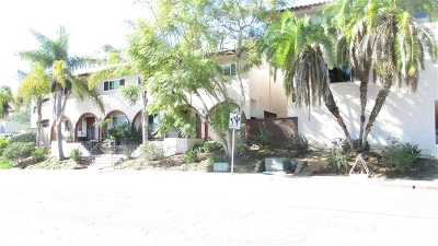 Del Mar Attached For Sale: 2582 Del Mar Heights Rd #15