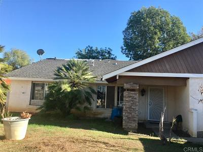 Vista Single Family Home For Sale: 1819 Calle Antonio