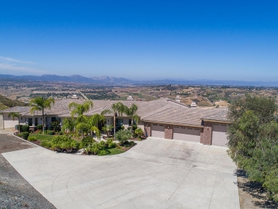 Riverside County Single Family Home For Sale: 41787 Camino Lorado