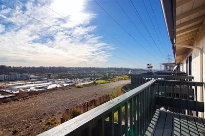 San Diego Townhouse For Sale: 6985 Camino Degrazia