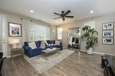 Single Family Home For Sale: 553 Moonlight Dr