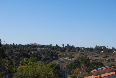 Carlsbad CA Single Family Home For Sale: $749,000