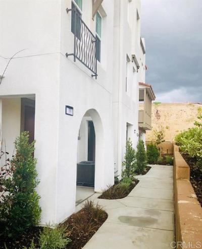 San Diego CA Townhouse For Sale: $889,880