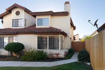 Escondido Townhouse For Sale: 141 Espanas Gln