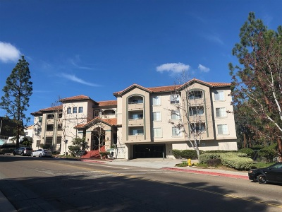 San Diego Attached Pending: 3078 Broadway #208