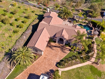 Fallbrook Single Family Home For Sale: 2181 Summer Bloom Lane